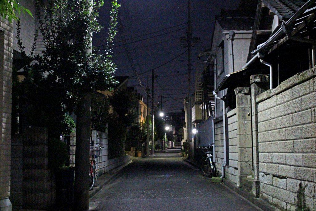 夜間 外回り 暗い