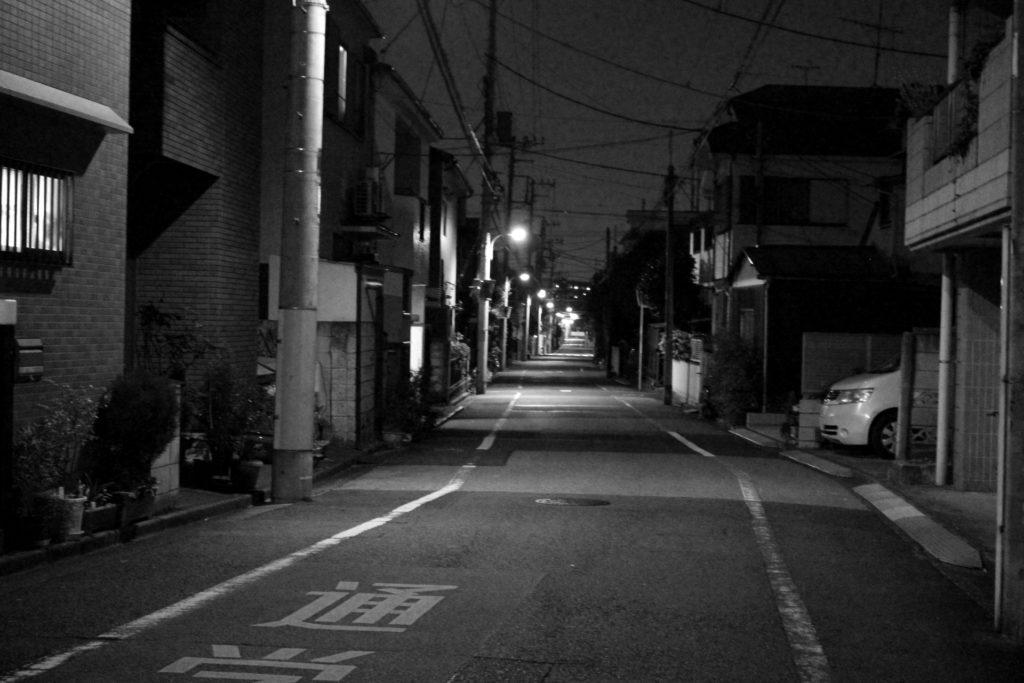 深夜 住宅街