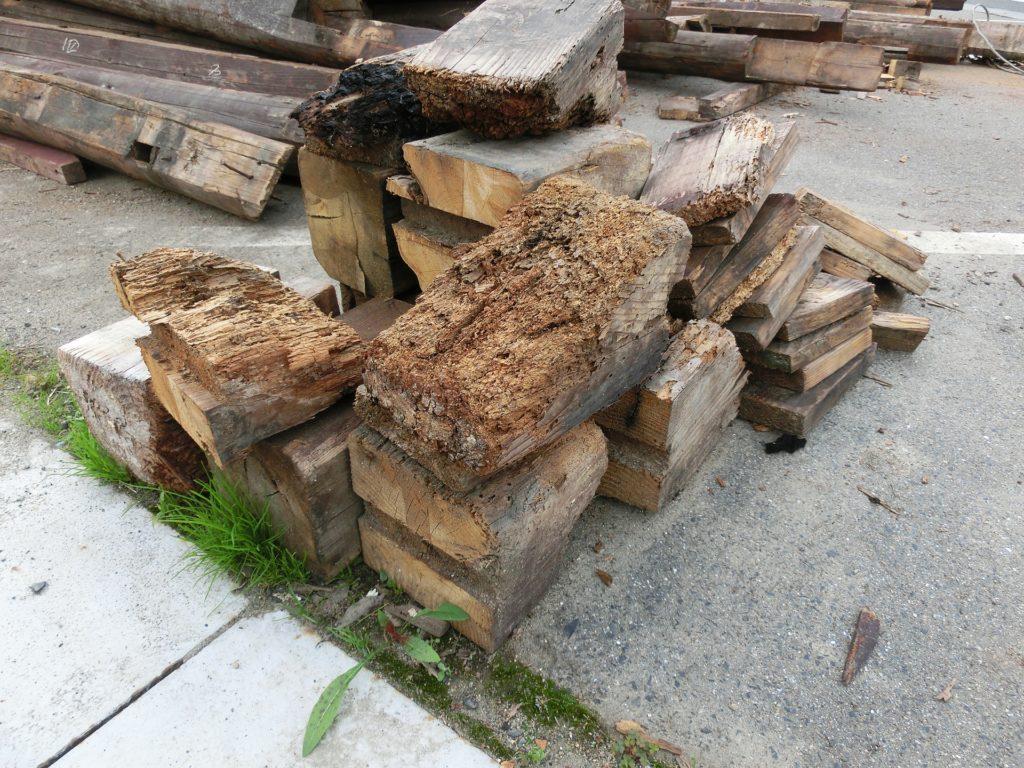 隣地 不用木材